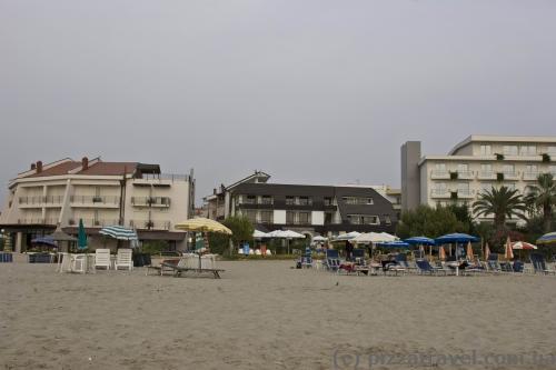 Пляжні готелі в Дурресі