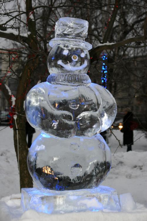 Ice sculpture park in Kyiv