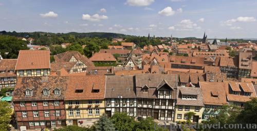 View of Quedlinburg from the observation deck at the castle