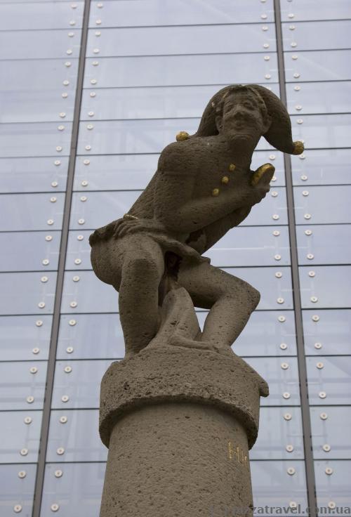 Фонтан на Рыночной площади Магдебурга