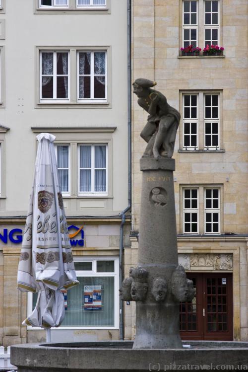 Фонтан на Ринковій площі Магдебурга