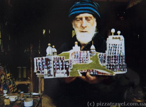 Hundertwasser with the Green Citadel project