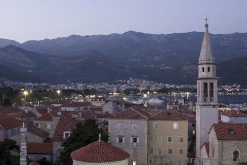 Budva at night, view from the old town