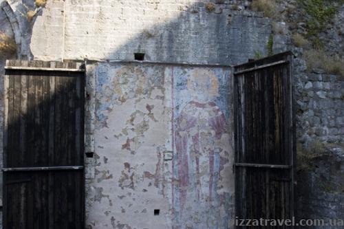 Fresco behind the door