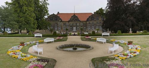 Малий замок і парк