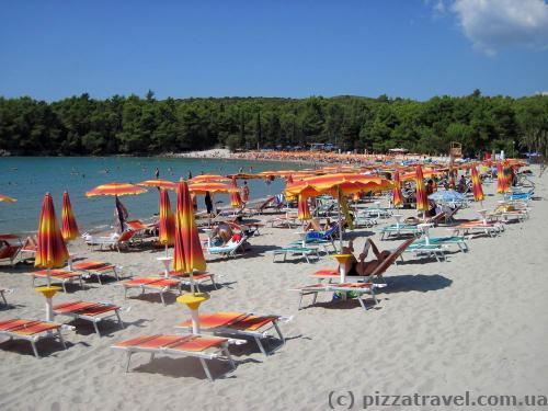 Plavi Horizonti (Blue Horizon) beach