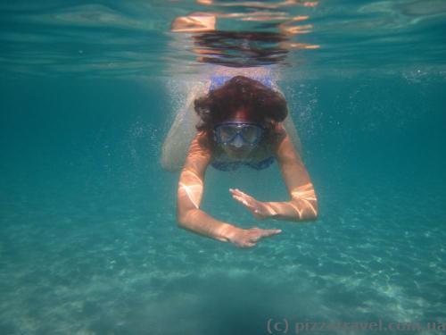 Чистая вода на пляже Плави Горизонти