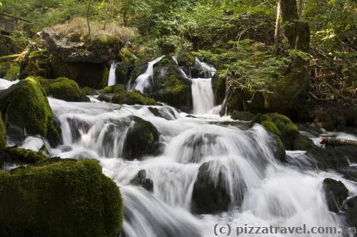 Равнякские водопады