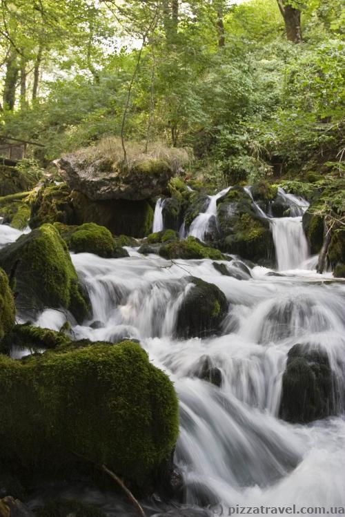 Ravnjak waterfalls