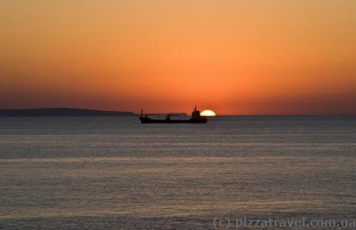 Восход солнца в Ларнаке