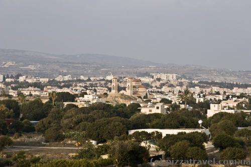 Вид на Пафос из археологического парка