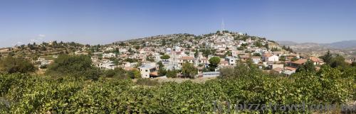 Одна из живописных деревень по дороге в Тродос