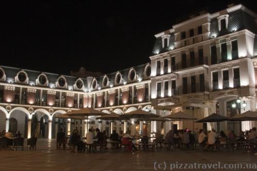 Площа Пьяцца