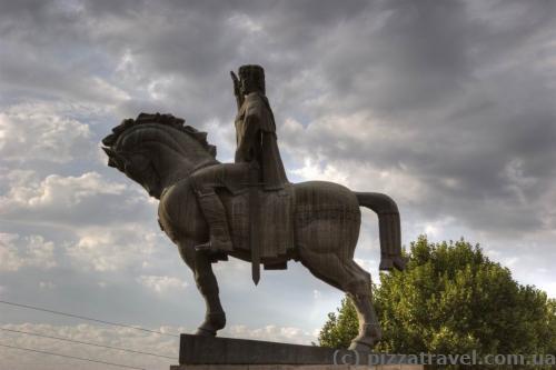 Пам'ятник Вахтангу Горгасалі