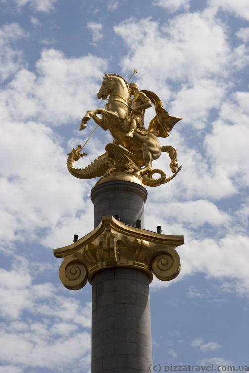 Монумент Свободи на однойменній площі