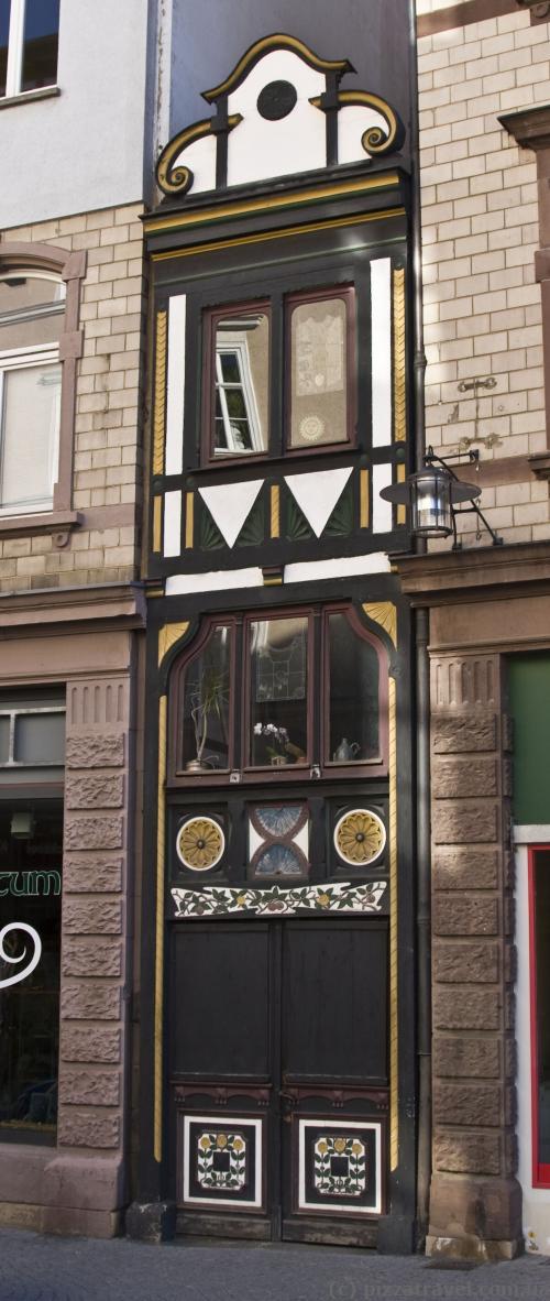 Самый узкий дом в Германии