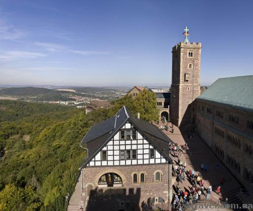 Двір замку Вартбург