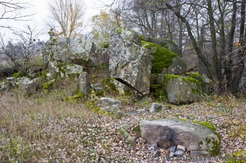Камни в селе Хохитва