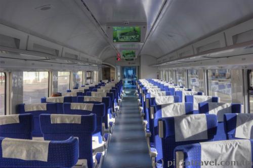 Интерьер поезда Hyundai Rotem