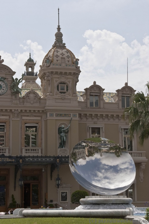 Distorting mirror in front of the casino in Monte Carlo