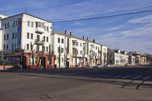 Центральная улица Грушевского в Коростене