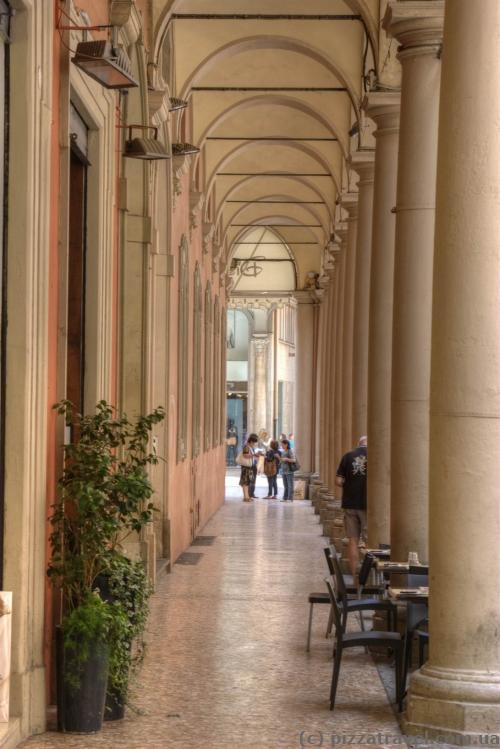 Аркади в Болоньї