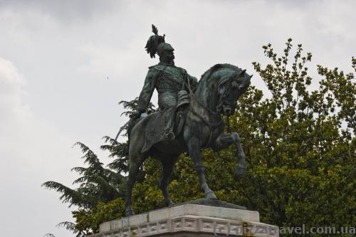 Памятник Виктору Эммануилу II в Вероне