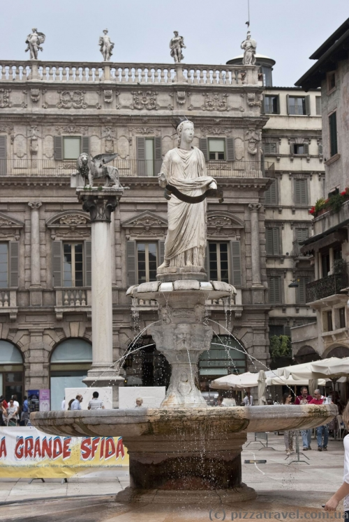 Fountain on the Piazza delle Erbe