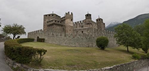 Замок Феніс