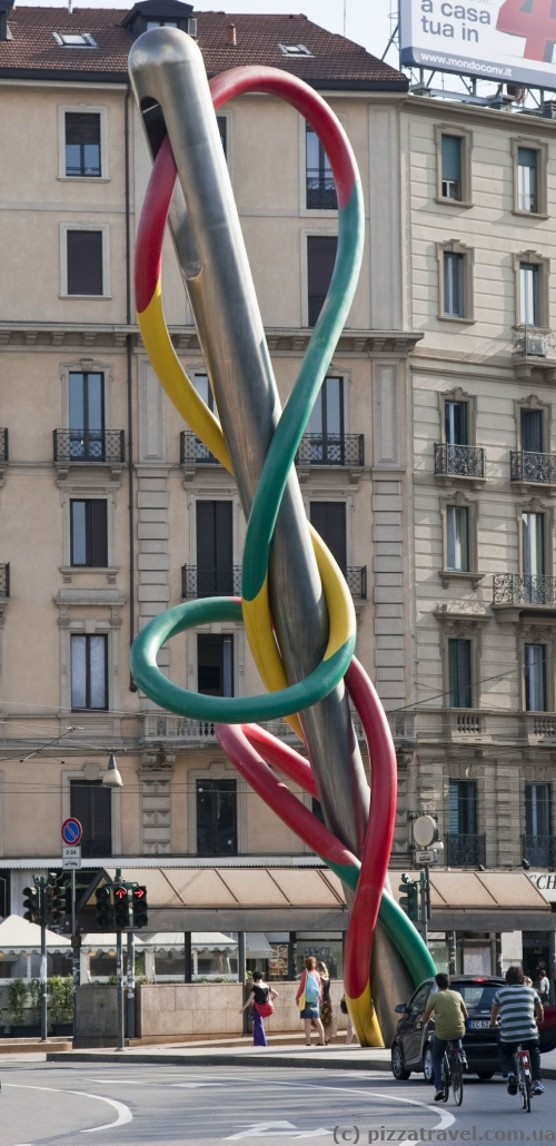 Sculpture in Milan - Needle, Thread and Knot