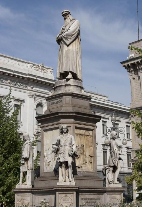 Пам'ятник Леонардо да Вінчі в Мілані