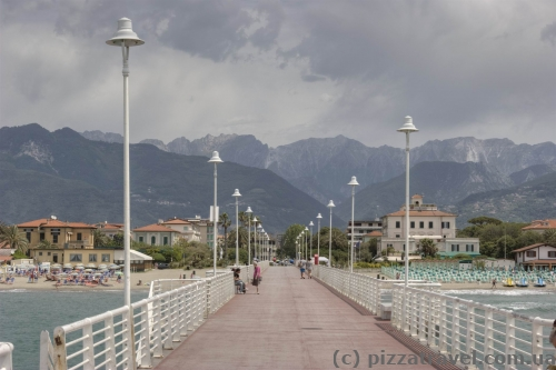 Pier in Marina di Massa