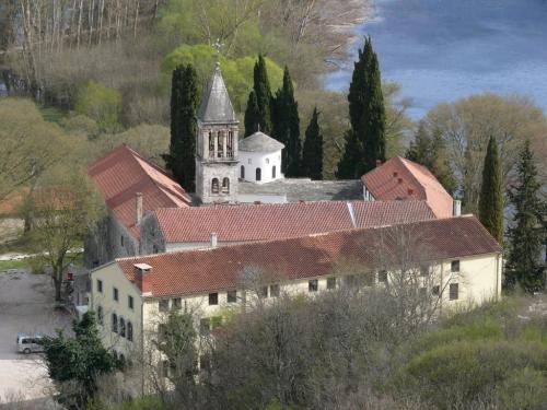Монастырь Крка