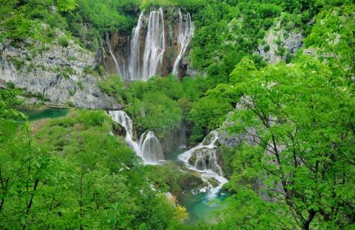 Водопады Veliki Slap и Sastavci