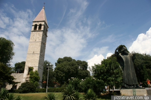 Monument to Gregory of Nin in Split