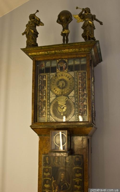 Уникальные часы в библиотеке герцогини Анны Амалии в Ваймаре