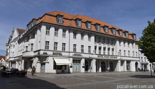 Отель в Гюстрове