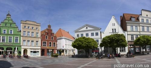 Рыночная площадь в Гюстрове