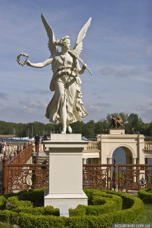 Sculpture over the orangery