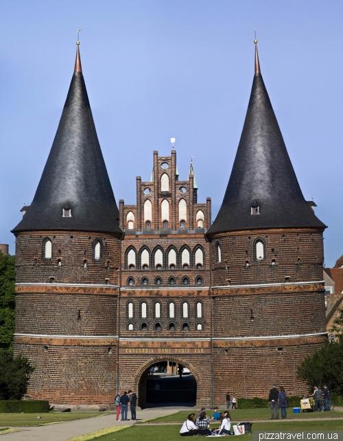 Голштинские ворота в Любеке