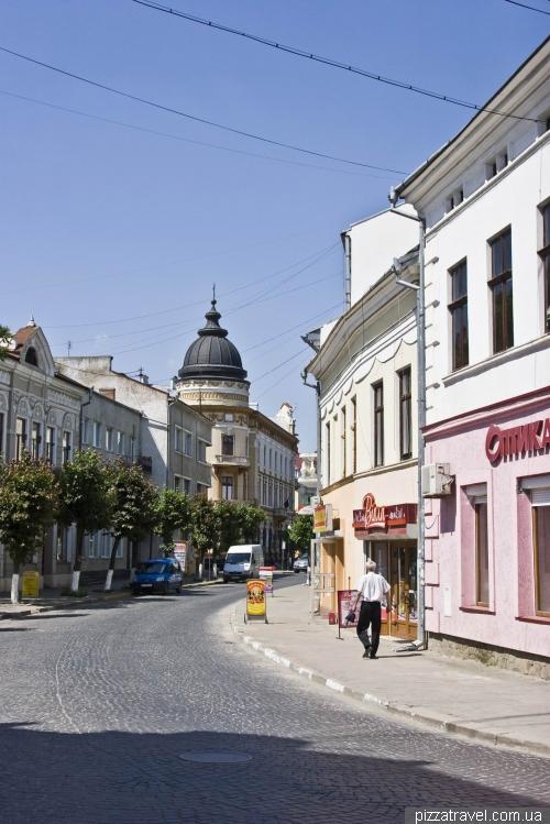 Teatralna Street in Kolomyia