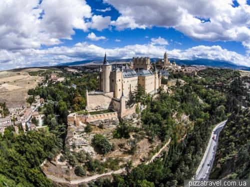 Замок в городке Сеговия