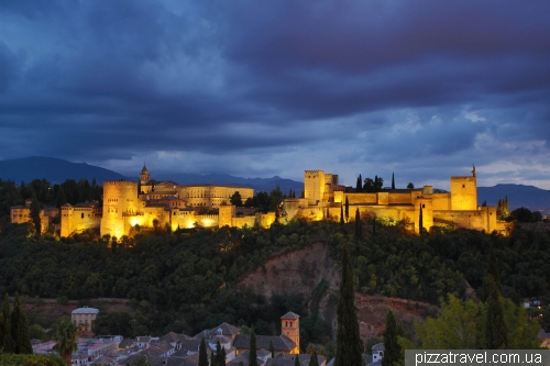View of the Alhambra from the San Nikolas viewpoint