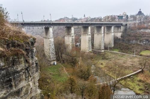 Міст через каньйон річки Смотрич