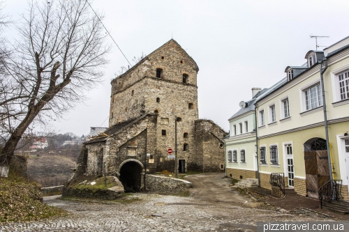 Batory Tower in Kamianets-Podilskyi (1585)