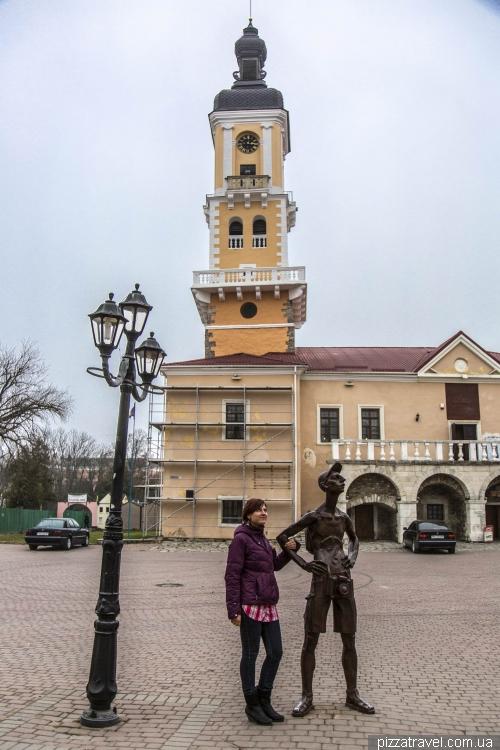 Памятник туристу-фотографу