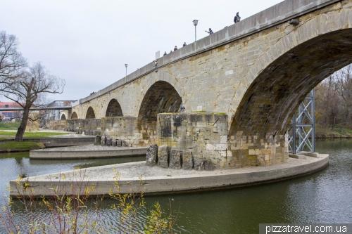 Каменный мост в Регенсбурге