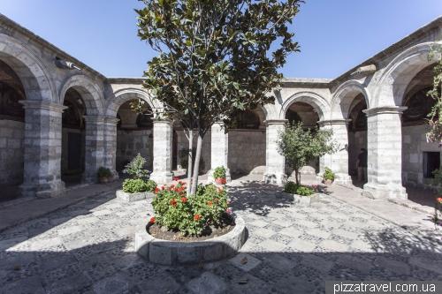 Монастырь Санта Каталина