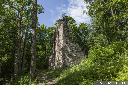 The ruins of the Krimulda castle