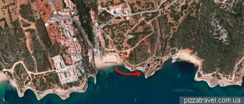 Розташування печери пляжу Бенаджіл